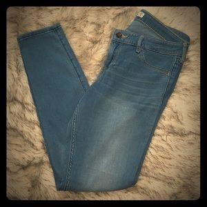 Hollister jeans size 9R/w29/L29